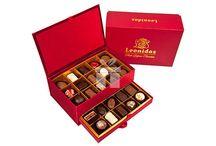 Idei de cadouri: Ciocolata Belgiana / In aceasta categorile gasiti o varietate de praline belgiene ambalate in diferite cutii mai mari sau mai mici.