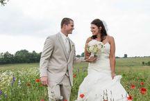 Bride and Groom Photos by Farrah's Photography / Great Bride and Groom wedding photos