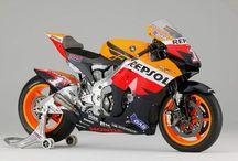 HRC DREAM. / The dream of making a replica moto-GP bike.  Honda CBR 954rr and a fairing kit should do the trick.