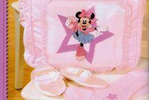 Minnie / Cross Stitching Beautiful Minnie Figures