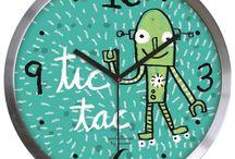 Relojes divertidos de Anna Llenas. / La diseñoadora Anna Llenas ha aterrizado en Decocuit, regalos y decoración. Esta vez lo hace con una gran variedad de relojes de pared divertidos, originales, graciosos...para decorar nuestras paredes y poner felicidad en nuestras vidas. Recuerda que en Decocuit, en nuestra tienda física en Burgos y en nuestra tienda on line podrás hacerte con una amplia variedad de productos de Anna Llenas. Haz tu compra hoy mismo en www.decocuit.com