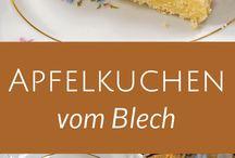 Apfelkuchen vom Blech sehr lecker !