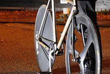 Fixed Bike / by Andres Romero