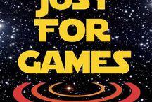 Les Jedi du Jeux Vidéo c'est Just For Games / Il n'y a pas très très longtemps, dans une galaxie pas trop trop lointaine, le terrible empire des jeux vidéo trop cher était sur le point d'être vaincu par les Jedi du jeu vidéo. Rejoignez la force sur www.justforgames.com