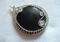 Wire wrap jewellery