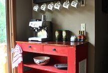Coffee Bars / by Kelly Wermelskirchen