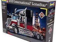 Ciężarówki i naczepy do sklejania