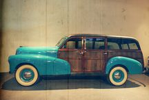 Classic Vintage Cars / Witness the best automobile collection of India from yesteryear with innumerable models of vintage and classic cars on display!