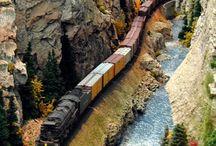 Ho scale model trains