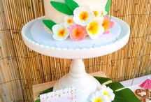 Tropical Luau Party Ideas / Tropical luau party ideas and inspiration. Cakes, invitations, food, decorations, party favours and more!