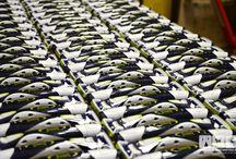 Kunststoff — Laserbeschriftungen, UV-LED Direktdruck, Tampondruck & Siebdruck / Mit der Laserbeschriftung oder unseren Druckverfahren erhalten Sie exakt beschriftete Präzisionsinstrumente, beständig markierte Bauteile für die Industrie oder individuelle Werbeartikel. Selbstverständlich legen wir beim Laserbeschriften in Karlsruhe, der Industriekennzeichnung, den Objektbedruckungen und all unseren anderen Dienstleistungen Wert auf höchste Qualität – von der Beratung bis zur Produktion.