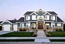 Blue Haven - South Jordan / Lane Myers Construction hand-crafted this custom home, located in the Nelson Farms community, with the intent to create a beautiful, airy craftsman home without sacrificing space or functionality. Construction of this home was simultaneous with construction of several other homes in this community, and as such, we were able to craft this masterpiece to fit in seamlessly with the surrounding homes.