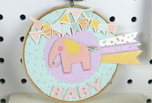 First Edition Hey Baby / First Edition's Hey Baby collection is a feast for the eyes with its dreamy illustrations of colourful elephants, rocking horses and hot air balloons. Designed by Sparky and Marie to help celebrate every childhood milestone this adorable paper pad features a gorgeous array of pastel colours.