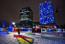 Luminothérapie 2011-2012 / Luminothérapie consiste en un événement hivernal issu d'un concours ayant pour but la mise en valeur et l'animation des espaces publics. Ce concours est géré en collaboration avec le Bureau du design de la Ville de Montréal. Durant l'événement Luminothérapie, l'espace public se transforme en un musée à ciel ouvert qui illumine l'hiver et célèbre le génie créatif montréalais.