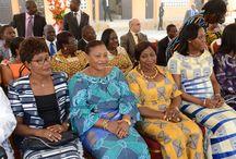 Dominique Ouattara visite l'école maternelle de TOUMODI / Lors de la visite d'Etat Madame Dominique ouattara a offert une cantine  scolaire entièrement équipée ainsi que l'équipement complet de l'école maternelle de Toumodi