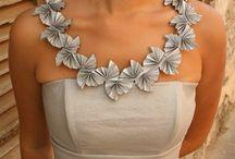 Paper necklace