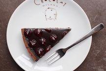 Dessert / Cakes, chocolate bars and pralines, gelato, frappé, hot chocolate: the Chocolat Milano dessert experience
