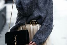 COLD-WEATHER CHIC / It's time to pack your bags and head home for the holidays. For those of you headed to colder climates, wrap up in the chicest of winter styles. Anchor your look with chic knits in ivory hues and don't forget to layer.  What's in your Carry-on bag?   Choose it between the new arrivals!  > http://bit.ly/NewInSS17