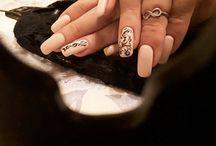 Mondo nails