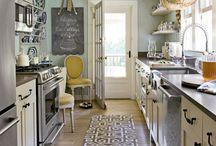 Kitchens / by Sara (Swartz) Genno