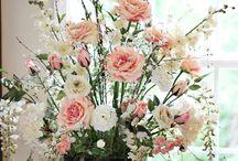 Floral Arrangements / by Jocelyne Watts