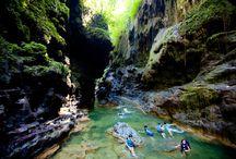 GREEN CANYON / Cukang Taneuh atau Green Canyon adalah salah satu primadona wisata di pesisir Selatan Jawa Barat.