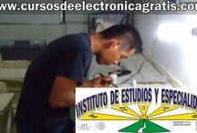 ALUMNOS DEL INSTITUTO DE ESTUDIOS Y ESPECIALIDADES / CURSOS DE ELECTRÓNICA GRATIS: ALUMNOS HACIENDO REPARACIONES