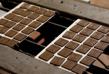 Marturii de Ciocolata / Minitablete de 5g din ciocolata Belgiana de inalta gama, ciocolata fara alergeni din Franta, sau ciocolata gara gluten din Spania