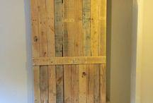Hanged Doors / Drzwi zawieszane