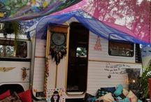 Hippie garden party / Hippie