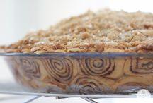 Desserts / Cinnamon roll Apple pie