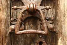 Doors & Door Knockers / by Primitive Hare Isobel-Argante