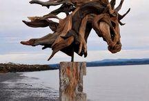 Art - скульптура лошадей из дерева