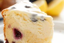 blueberry lemon cheesecake cake w/ lemon cream cheese glaze