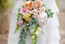 Beautiful Bouquets / by Pearl Cakes+Events