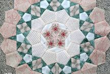 Willyne Hammerstein's Passacaglia Quilt / Passacaglia is the exquisite quilt on the cover of the beautiful Millefiori Quilts book, published by Quiltmania. Quilters asked for the design to be made Inklingo-able, so they could print the shapes on fabric or on paper­and Quiltmania graciously agreed! No wonder it is one of the most popular (and beautiful) magazines in the world! Two sizes at http://lindafranz.com/shop/millefiori-quilt-templates/40