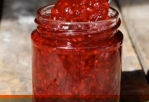 A celebration of the art of  Jam making / For Artisans to Absolute Beginners! Passionate about Preserving!