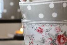 Tazze e tazzine/ mugs & cups
