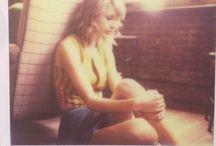 Taylor Swift poleroid