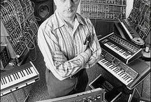 Synthesizers / Collection of Synthesizers and studio gear