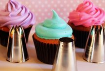 Cupcakes / by Vickie Lawson