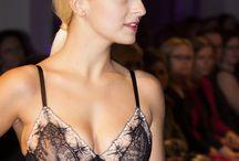Oxalis Dessous fashion show / Fotky z Fashion show z Galerie Louvre.