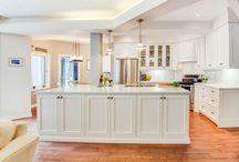Kitchen Designs for small spaces / foxglovedesign.ca