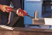 Eğe Tipi Parmak Zımpara Makinası ST 1005 VE / Eğe tipi parmak zımpara makinası dar alanlarda metal yüzey üzerinde zımpara yapmaktadır. FLEX ST 1005 Ve parmak zımpara makinası profesyonel tasarımdır.