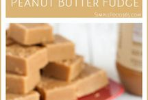 Peanut Butter Lover / How many desserts can you make with peanut butter? There is nothing peanut butter and a spoon can't fix!