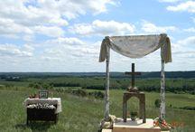 Burlap & lace weddings