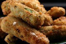 Finger foods / by Cruz C.