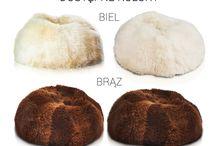 Pufa Sakwa Premium / Okrągłą, puszysta, niezwykła, zniewalająca to tylko niektóre cechy tej magicznej pufy/fotela. Uszytej z najwyższej jakości skóry naturalnej z długim włosiem. Doskonale pasuje do nowoczesnych pomieszczeń stając się mocnym akcentem, kontrastującym z resztą otoczenia.