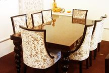 DINING TABLE/CHAIR