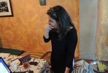 Curso de Iniciación a la filosofía práctica / Nuestra compañera Soledad Hernández Bermúdez consiguió algo mágico. Intentar estimular y excitar a esos diablillos que tenemos dentro, mediante una nueva incursión en la filosofía. DE FORMA PROFUNDA, ANIMADA, ALEGRE. conversamos con nuestro amigo más cercano. NOSOTROS MISMOS. Comienza el curso de INTRODUCCIÓN A LA PRÁCTICA FILOSÓFICA durante los sábados de los meses entre Febrero a Abril